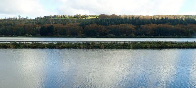 The Middlebank separating the Newry Canal and Newry River