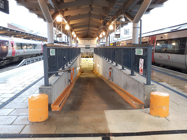 Derby station - subway from platforms 2 & 3