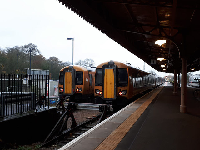 Leamington Spa station - stabled trains