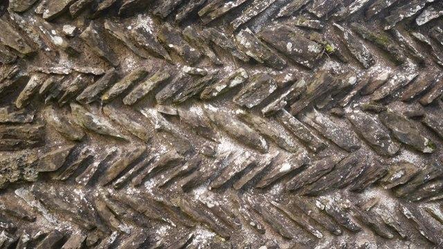 Herringbone masonry, Edvin Loach
