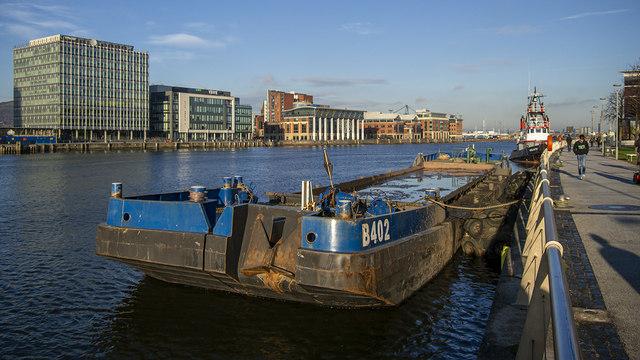 Barge, Belfast