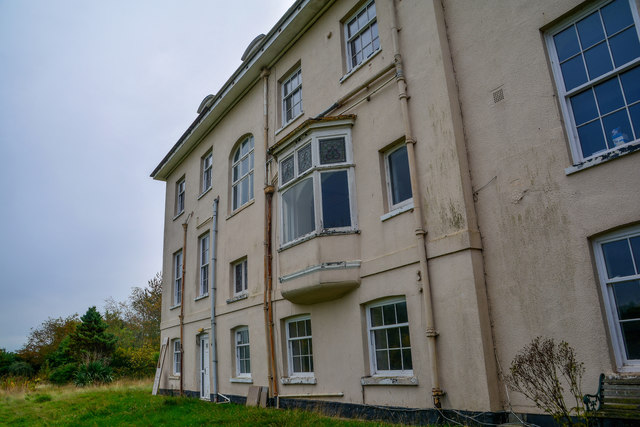 Tiverton : Tidcombe Hall
