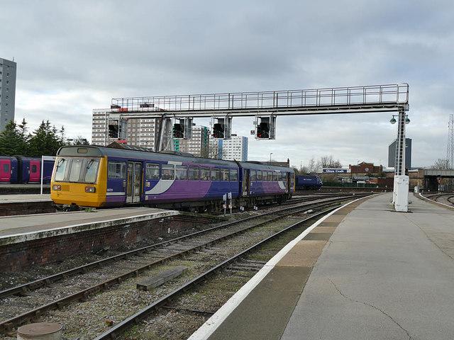 Pacer departing Hull Paragon