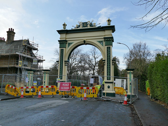 Pearson Park arch being re-erected