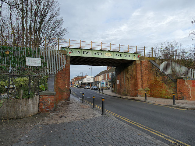 Railway bridge, Newland Avenue, Hull
