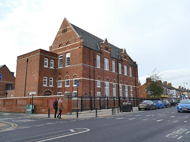 Former school building, Newland Avenue, Hull