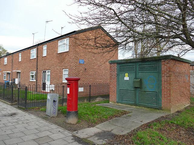 Postbox, Newland Avenue, Hull