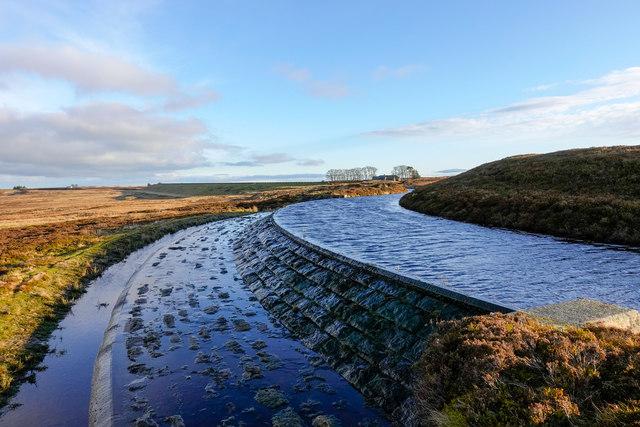 Aqueduct feeding Smiddy Shaw Reservoir - 2
