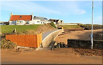 NT4999 : Private area near beach, Elie by Bill Kasman