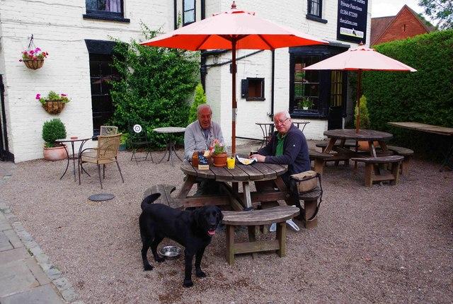 The Cat Inn (7) - customers in beer garden, Bridgnorth Road, Enville, Staffs