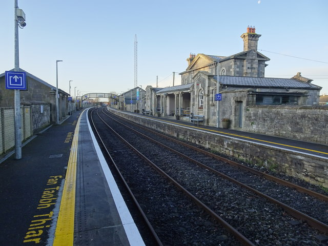 Kildare to Bagenalstown - 3 ways to travel via train, taxi, and car