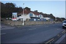 TR1935 : Sandgate Esplanade towards Folkestone by Ian S
