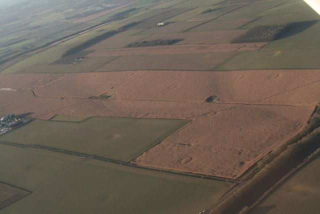 Cropmarks on Saxby Wolds: aerial 2019 (2)