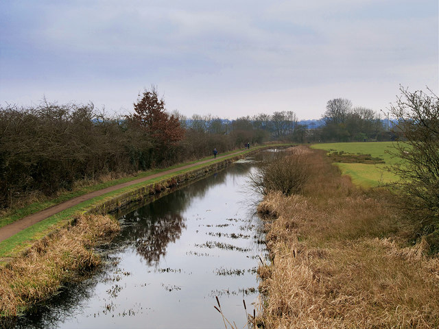 Manchester, Bolton and Bury Canal : Looking South from Rothwell Bridge