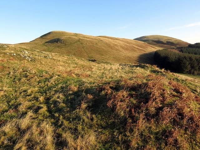 Eastern ramparts of hillfort, Camp Knowe
