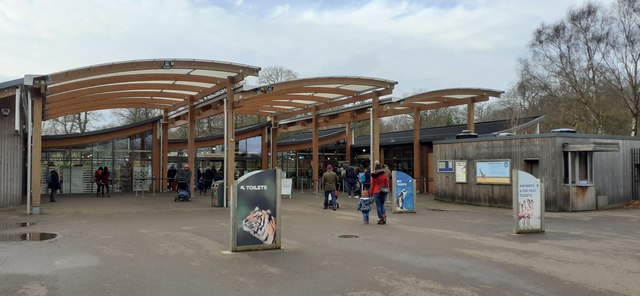 Entrance to Whipsnade Zoo