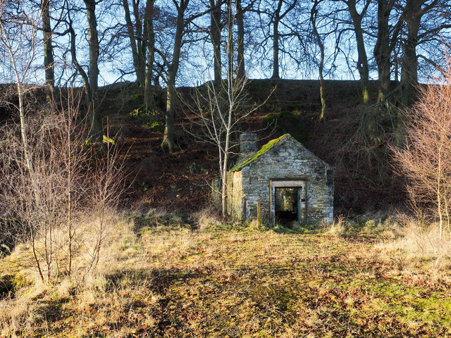 Small building at Stanhopeburn Mine