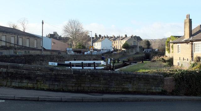 Huddersfield Narrow Canal, Milnsbridge