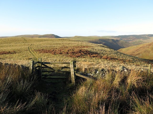 Gate between Silverton and Clennell Hills