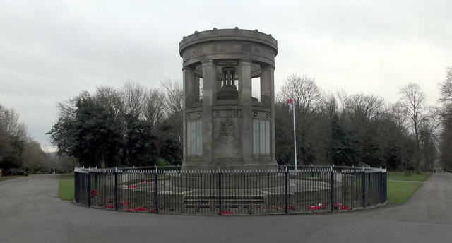 War Memorial, Crow Nest Park, Dewsbury