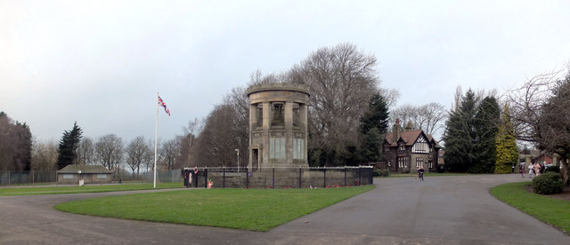 War Memorial, Crow Nest Park, Dewsbury
