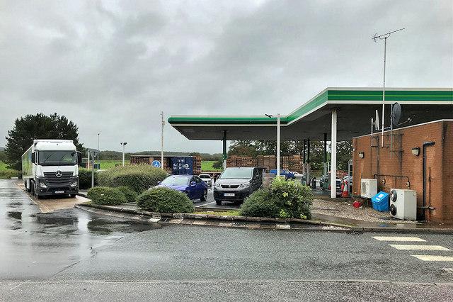 Southbound M6: Fuel Forecourt, Lancaster Services
