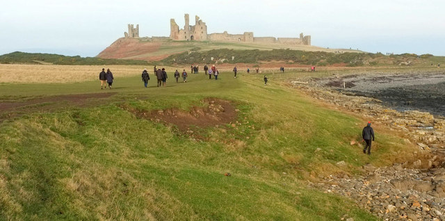 Coast path to Dunstanburgh Castle
