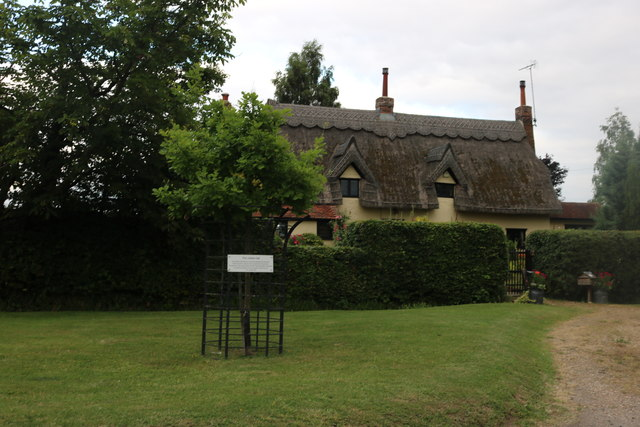 Thatched house on Green Street, Hellman's Cross