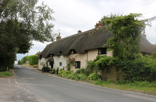 Thatched cottage on Grafton Road, East Grafton