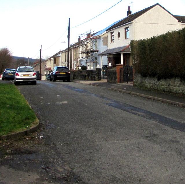 Woodland Road houses, Crynant