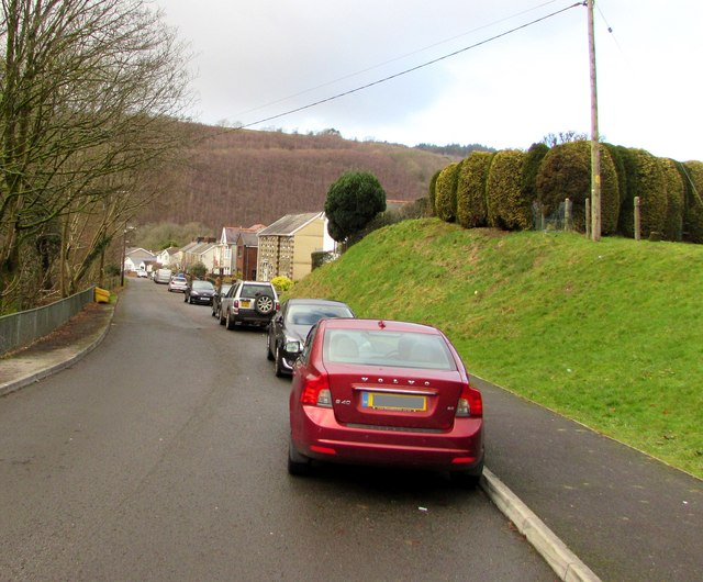 On-street parking, Maes Mawr Road, Crynant