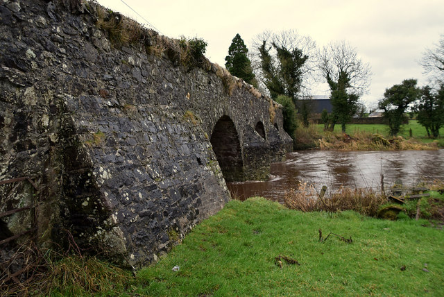 Strong walls, Bloody Bridge, Aghagallan / Edenderry