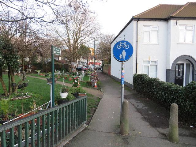 Path at Hackbridge
