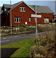 SN8007 : Health Centre/Canolfan Iechyd direction sign, Seven Sisters by Jaggery