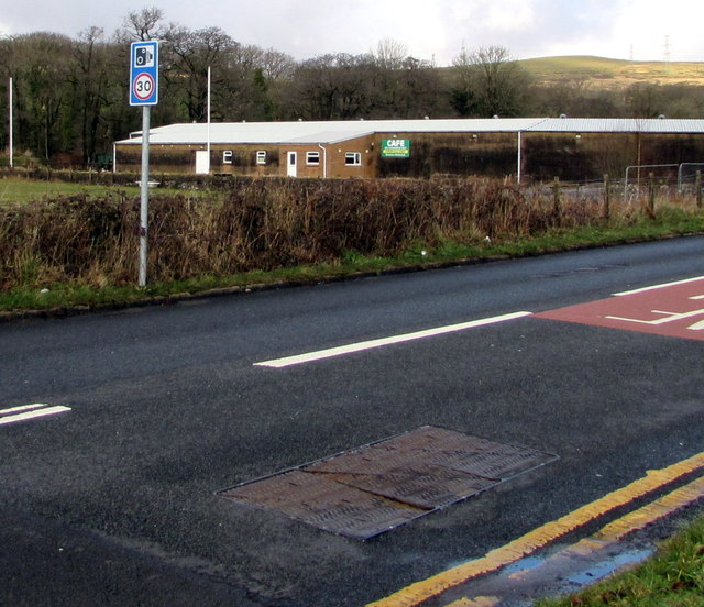 Combined traffic sign alongside the A4109 Dulais Road, Seven Sisters