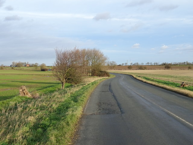 Minor road towards Burstwick
