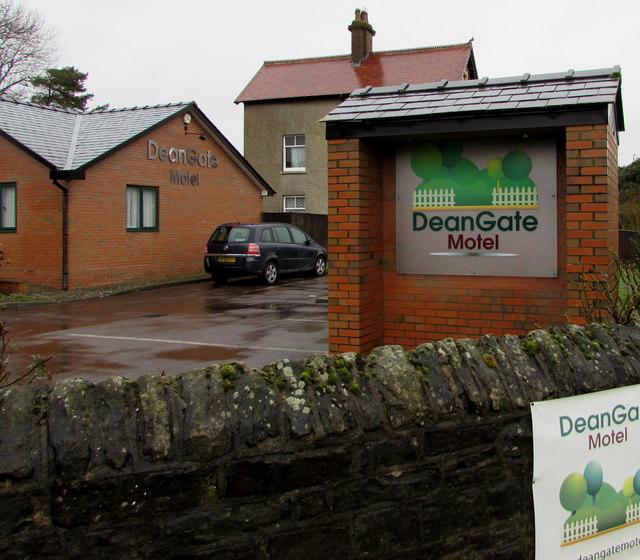 DeanGate Motel name sign, Lydney