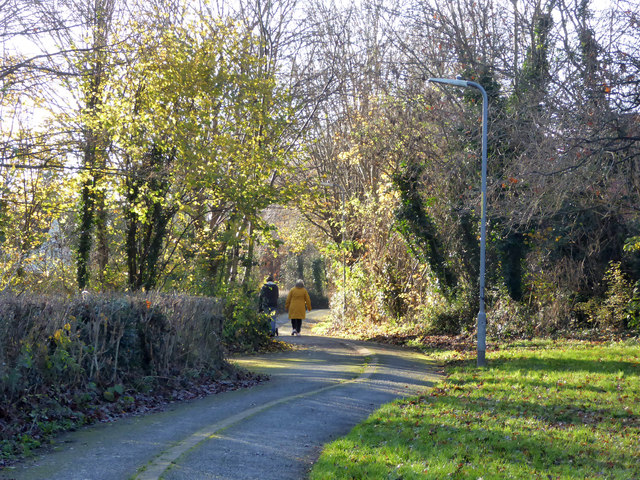 A Sunday afternoon stroll in Warndon Villages