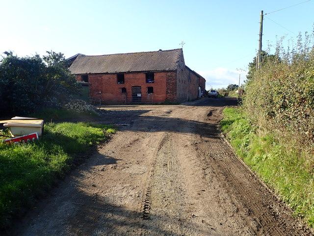 Farm buildings near Lightwood Green