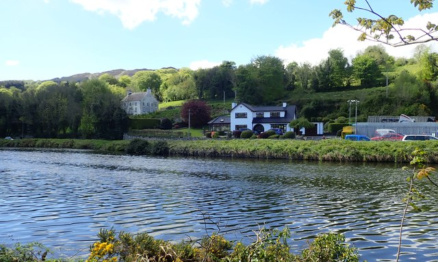 Houses overlooking the B79 and the Newry Canal