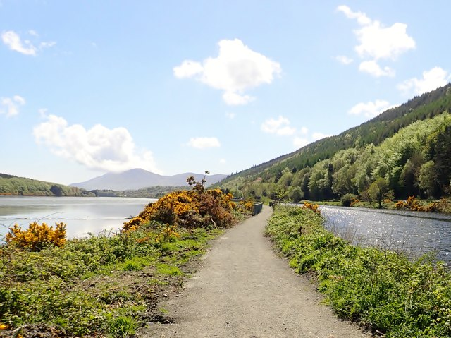 Approaching Victoria Lock on the Newry Greenway