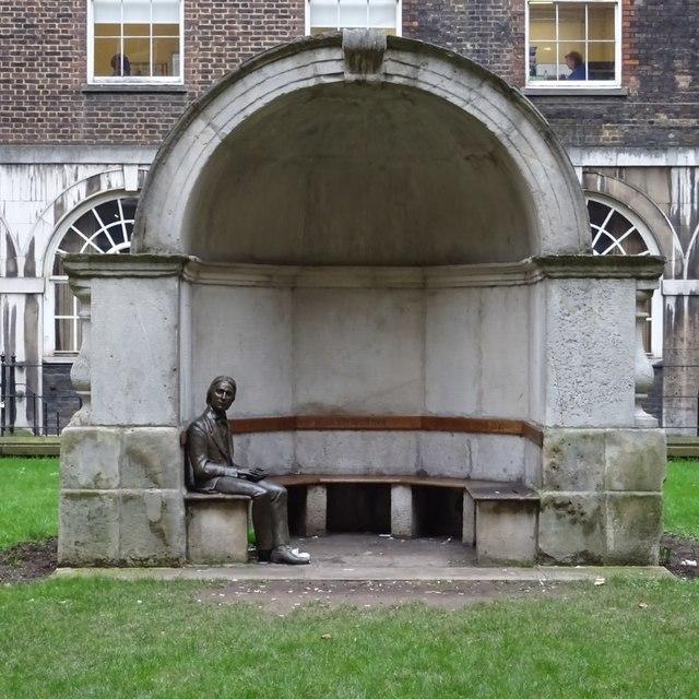 Statue of Keats in an alcove from London Bridge