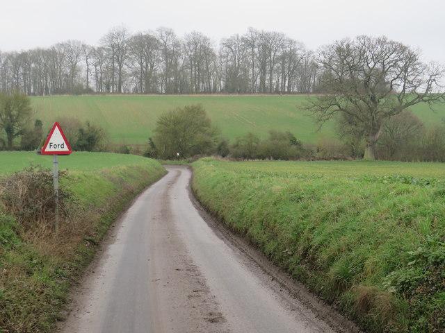 Minor country lane near Farnham