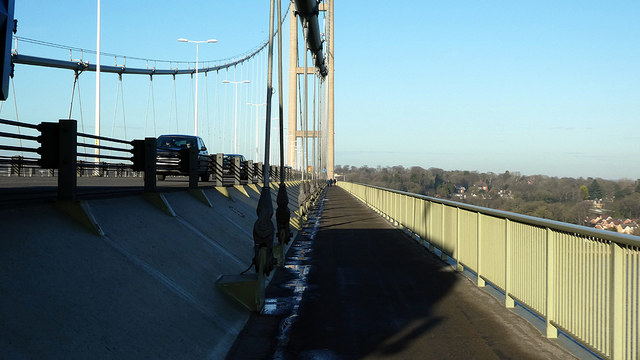 Path at the mid-point of the Humber Bridge