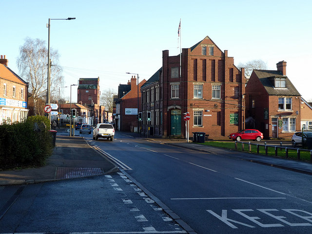Approaching Thorne town centre