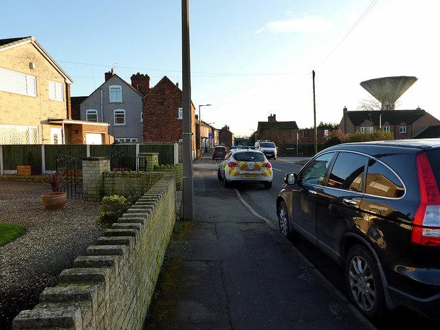 Walking through Thorne on Southend Road