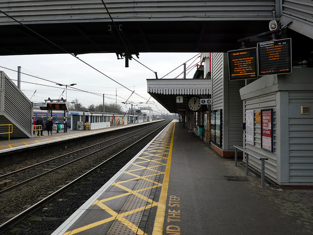 Looking south on Newark Northgate station