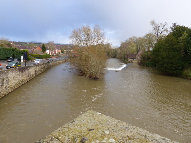 River Teme, with weir, from bridge from Ludlow to Ludford