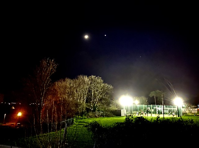 Streetlight, moonlight, planet light, floodlight