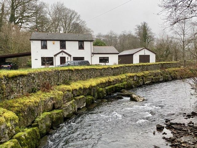 Cân yr Afon (Song of the River)
